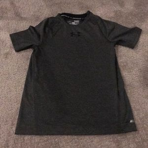 Boys under armour fitted tee